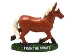Cadeau souvenir statuette cheval Comtois